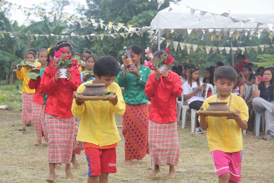 Palawan's IPs celebrate 'good harvest' with Mass