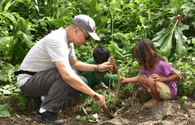 Church, IPs plant 2K trees in Palawan