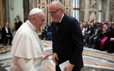 World needs humble leaders unafraid to meet their enemies, pope says