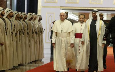 Pope arrives in Abu Dhabi, praying for nearby Yemen