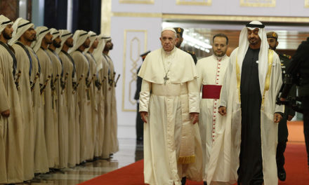 Pope arrives in Abu Dhabi, praying for nearby Yemen