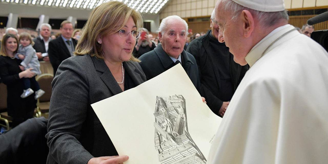 Pope tells prison staff they must help inmates find hope