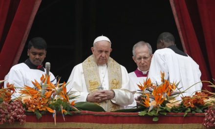 Continuing Easter celebrations, pope again prays for Sri Lanka