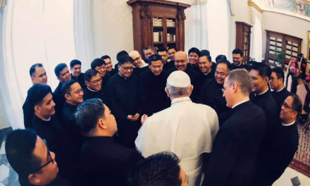 Pope's humility astounds Pinoy priests