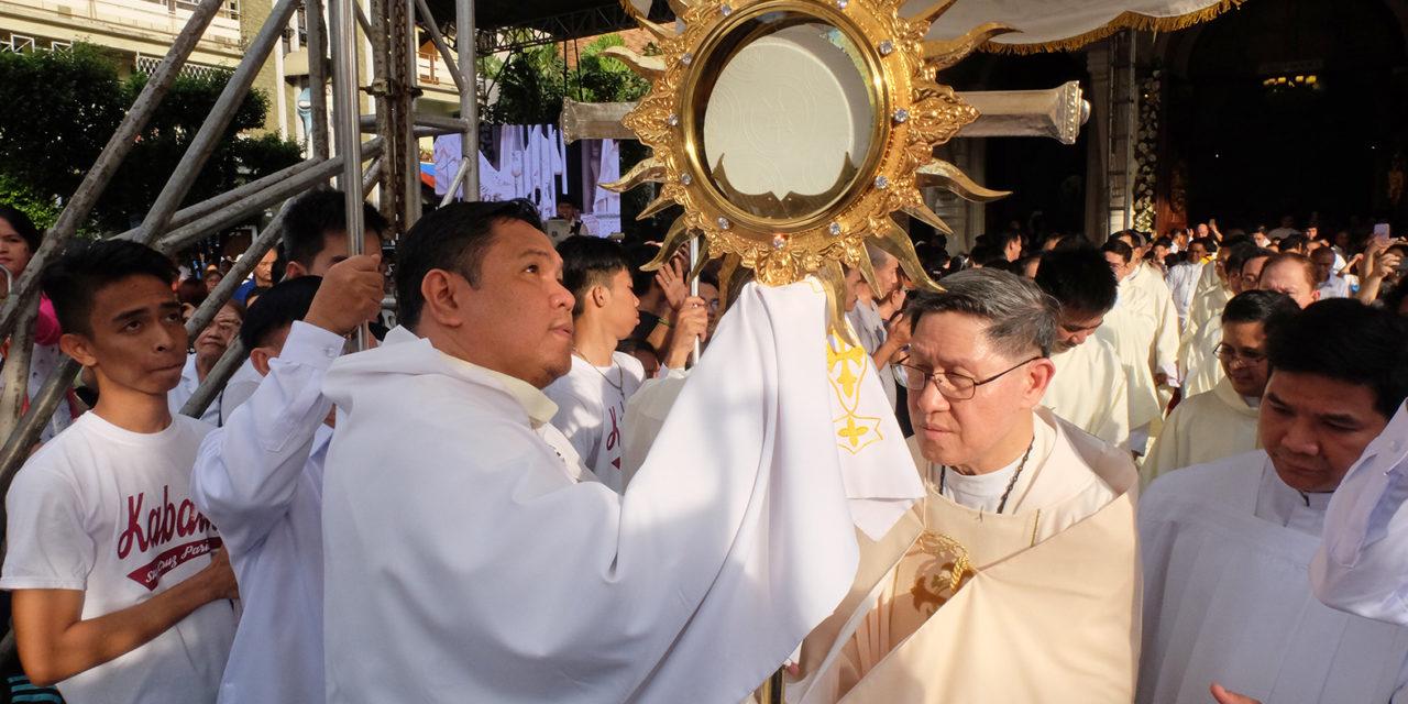 Cardinal Tagle rebukes Catholics who don't do good deeds