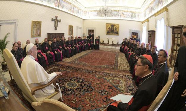 Pope to Filipino bishops: Love, pray for persecutors