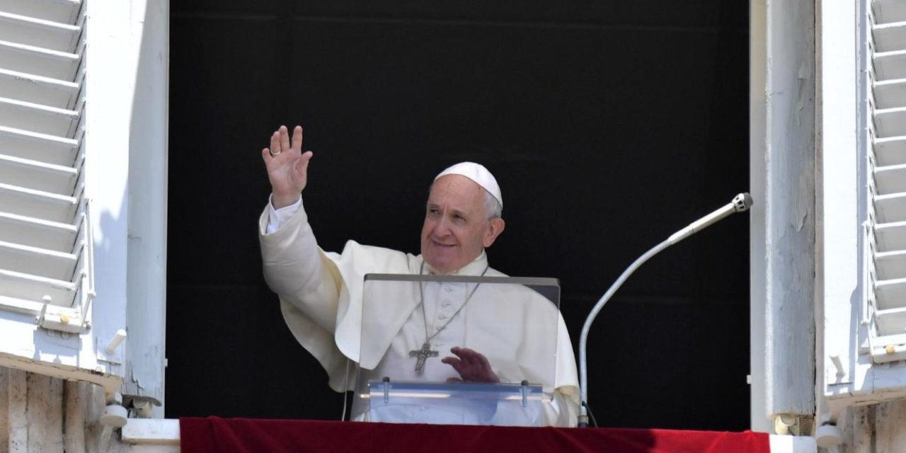 Pope Francis: The Eucharist is Jesus alive