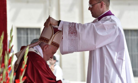 Pope Francis on Pentecost: 'Christian life unravels' without the Holy Spirit
