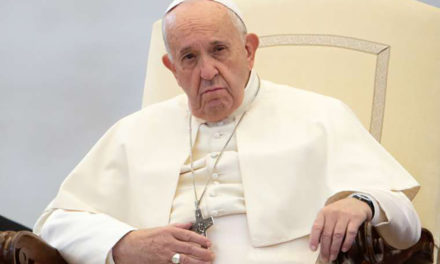 Pope Francis denounces rise in anti-Semitism Pope Francis denounces rise in anti-Semitism