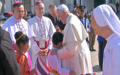 Pope concludes visit to Thailand, departs for Japan