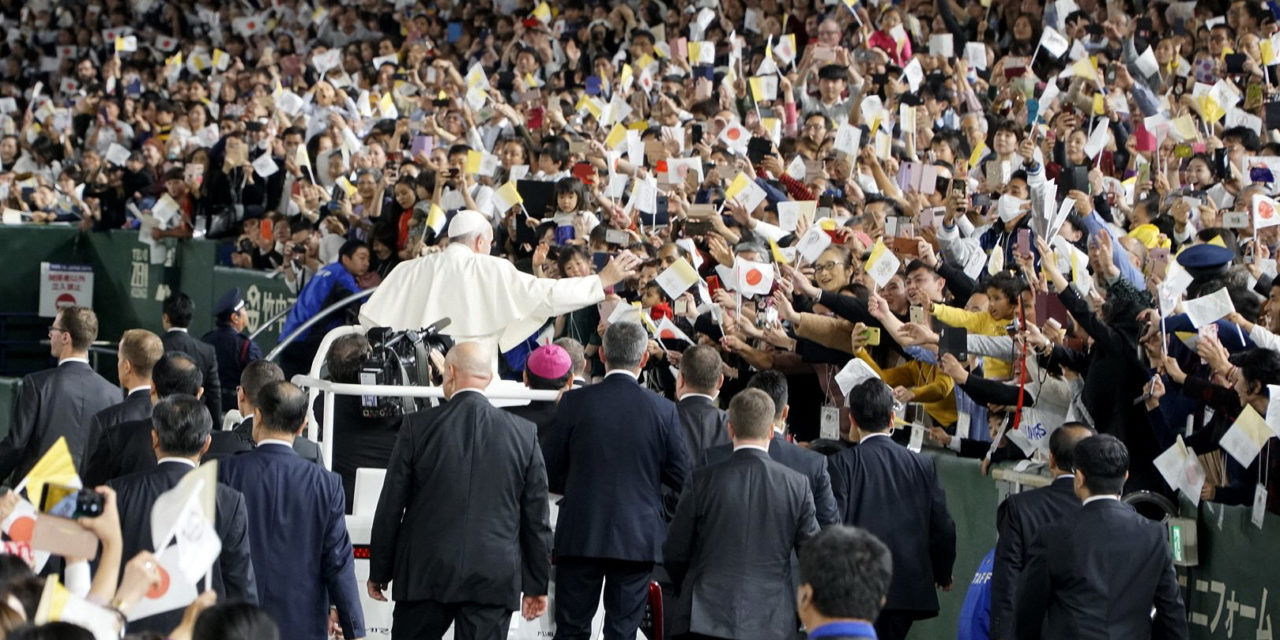 Pope in Tokyo: Christ is the lens that helps us prioritize our lives