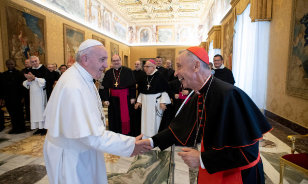 Dispute ideas, pope tells theologians, but don't confuse the faithful