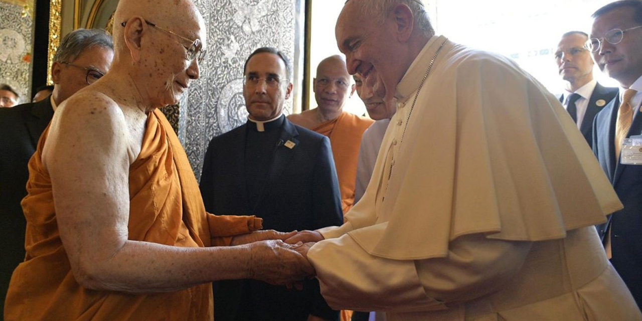 In a meeting with Thailand's Supreme Buddhist Patriarch, Pope Francis encourages peace