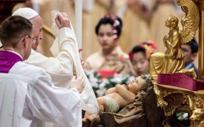 Sinner or saint – God loves you, Pope Francis says on Christmas Eve