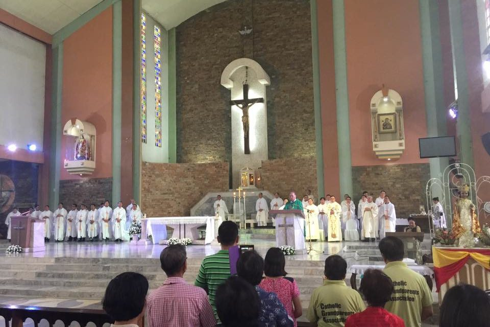 Faithful challenged: 'Open parishes to poor'