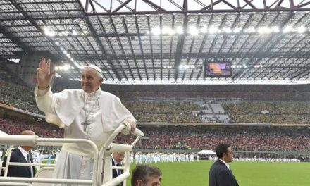 In Milan, Pope makes youth promise to never be a bully