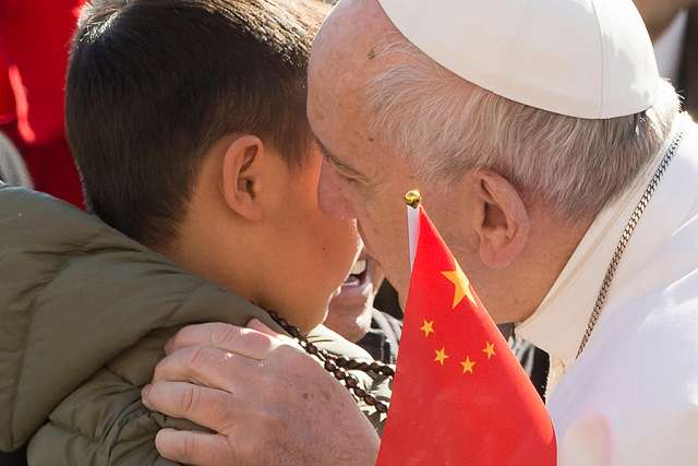 What Pope Francis did when guards tried to stop these Chinese pilgrims