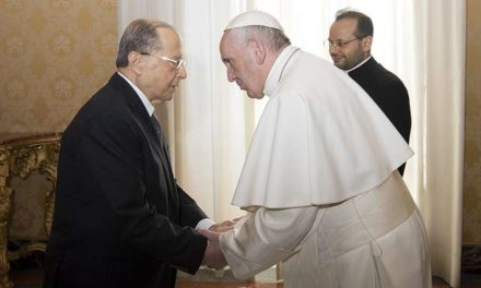 Pope Francis and Lebanese president talk Syrian war