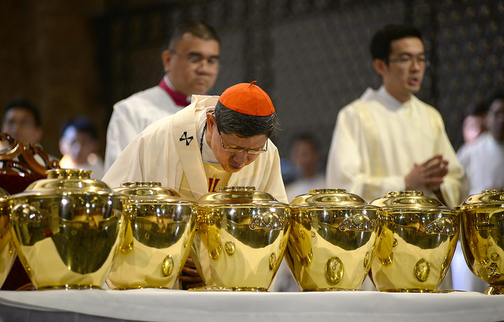 Cardinal Tagle warns priests against outside pressure: 'It's a trap'