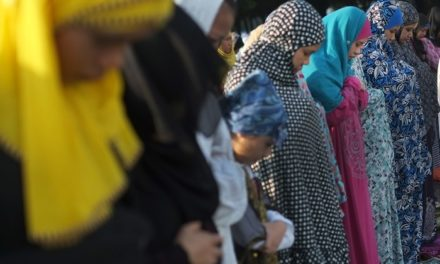 Cardinal Quevedo stands in solidarity with Muslims at Ramadan's end