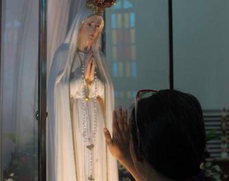 Olongapo's 'typhoon-proof' devotees welcome Fatima image