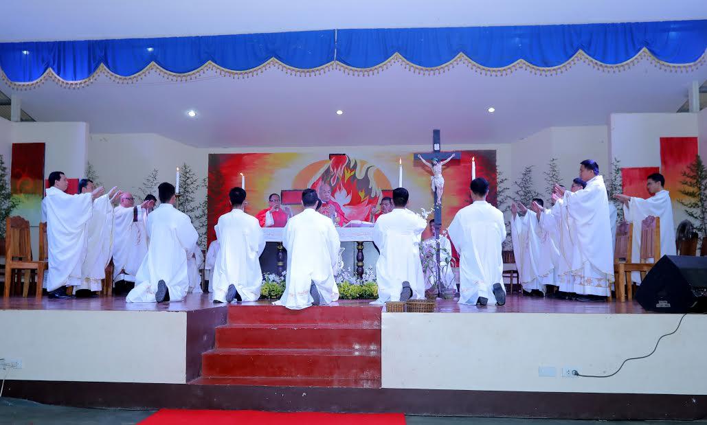Seminarians told: 'Develop sense of mission'