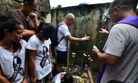 Lay group urges probe of 'drug war' deaths