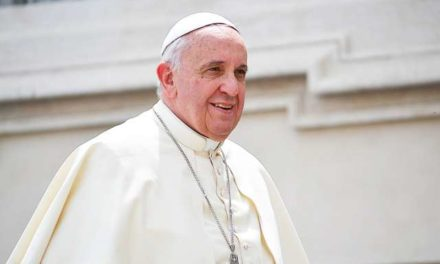 This Facebook bot lets you 'Chat with the Pope'