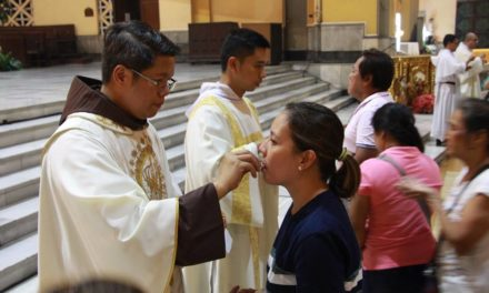 400 families get free rice on Franciscan clinic's 48th anniv