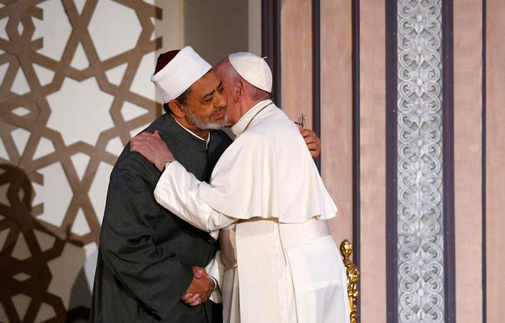Year in review: In Rome and abroad, pope urges unity, care for poor