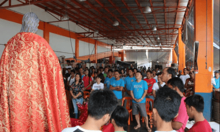 Port workers urged: Be 'fishers' of men!