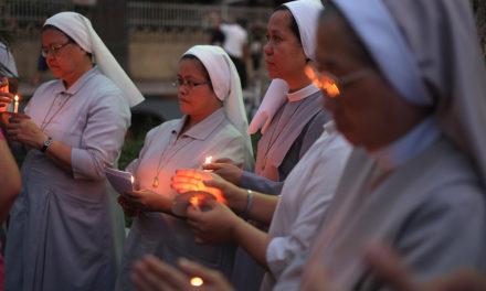 Ecumenical service marks world day of prayer against human trafficking