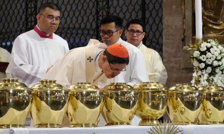 Cardinal Tagle slams fake news, 'deception' of people