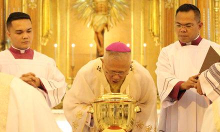 Archbishop Palma leads Chrism Mass