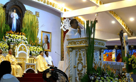 Priest: 'Paschal candle, symbol of God's mercy'
