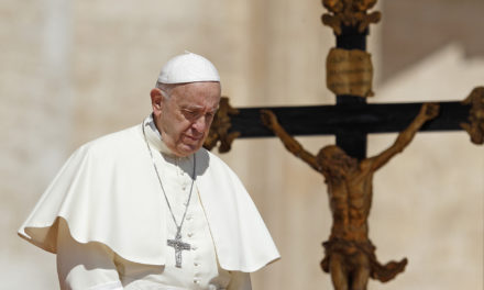 Parishes grow only when people are welcomed, heard, pope says