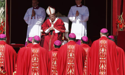 Pope at pallium Mass: Jesus wants disciples unafraid to aid others