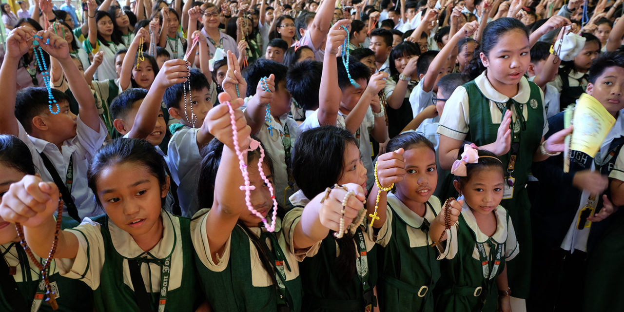 Drug war orphans turn to prayer for healing, end to killings