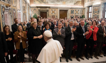 Pope to journalists: Counter resignation, evil with ethics, passion