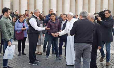 Pope makes surprise visit to mobile clinic in St. Peter's Square