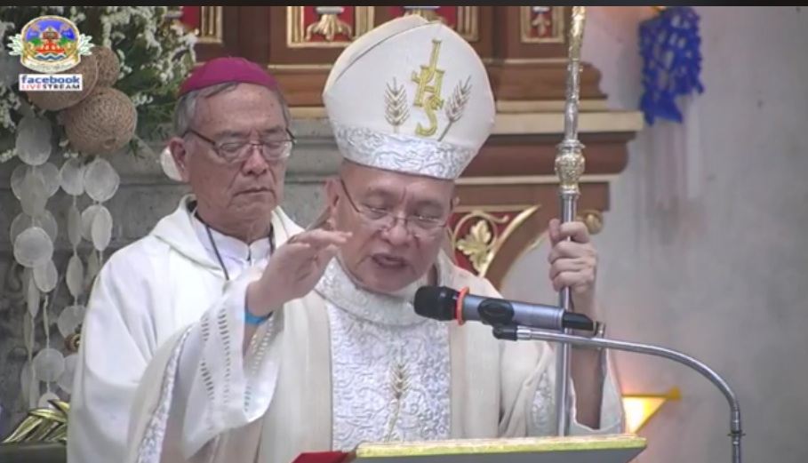 Priests urged: Be a newscaster, writer of 'God's News'