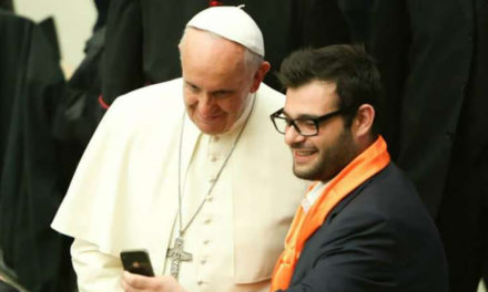 Pope's app 'Click to Pray' connects Catholics to a smartphone prayer network