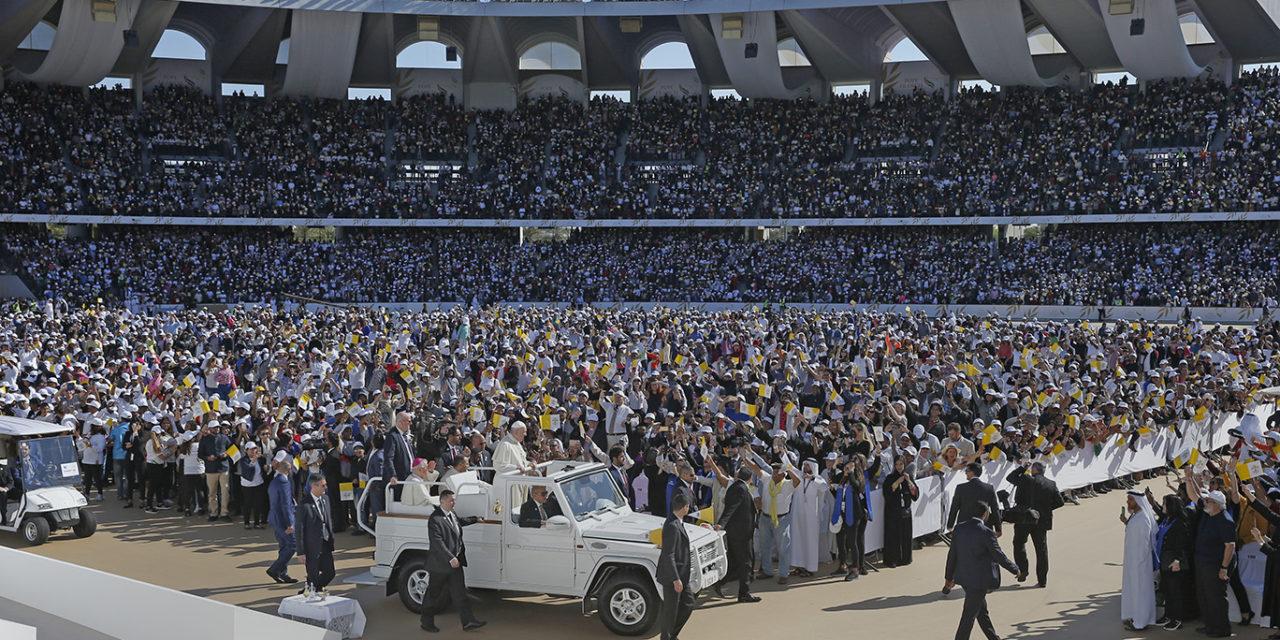 Witness to Christ with love, pope tells Catholics on Arabian Peninsula