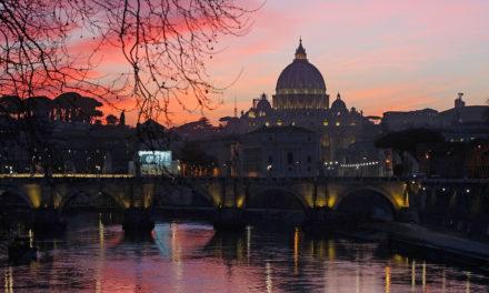 Founder, editorial staff of Vatican women's magazine resign