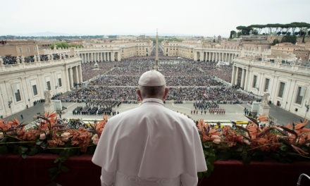 Only risen Christ can bring peace to world at war, pope says at Easter
