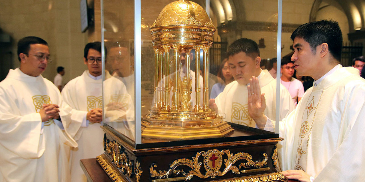 Philippines bids farewell to St. Camillus heart relic