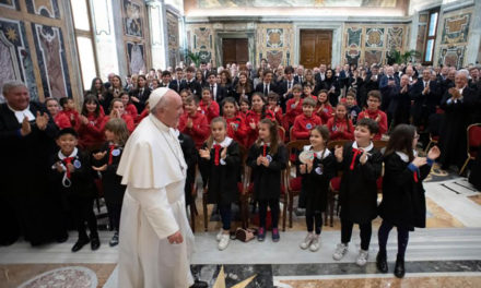 Promote 'culture of resurrection,' pope tells Christian Brothers