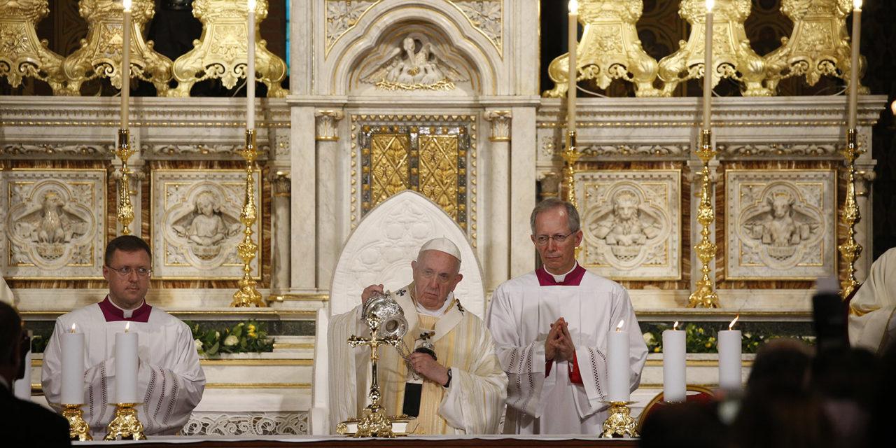 At Mass, Pope Francis remembers 'hopeful' witness of Romanian Catholics