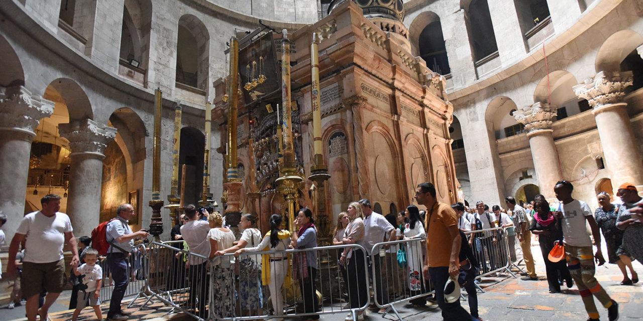 Churches strike deal to renovate Jerusalem Holy Sepulcher