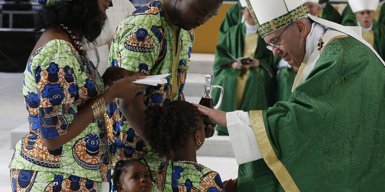 Pope urges families build a better future through stronger prayer life